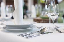 Festliche Tischdekoration Für...