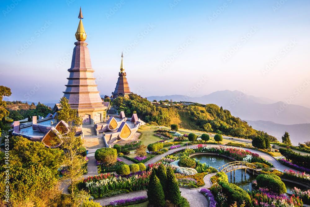 Fototapety, obrazy: Doi Inthanon landmark twin pagodas at Inthanon mountain near Chiang Mai, Thailand.