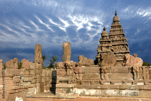 Fotografie, Obraz  shore Hindu temple dedicated to Shiva and Vishnu, Mahabalipuram, Tamil Nadu, Ind