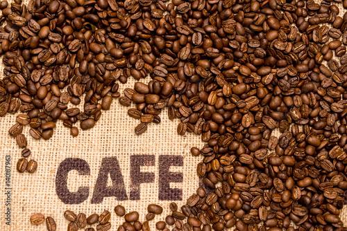 Kaffebohnen auf Jutesack