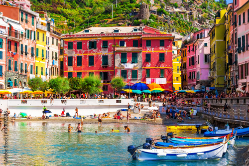 Photographie  Scenic Vernazza village, beautiful place in Cinque Terre, Italy.