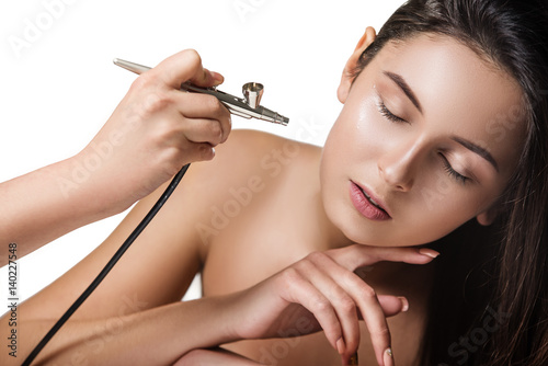 Photo beautiful tender young girl with airbrush