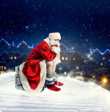 Santa Claus On Rooftop Shit In...