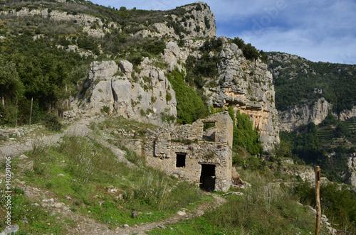 Foto op Aluminium Rudnes Farm Ruins As Seen Along the Path of Gods Hiking Trail