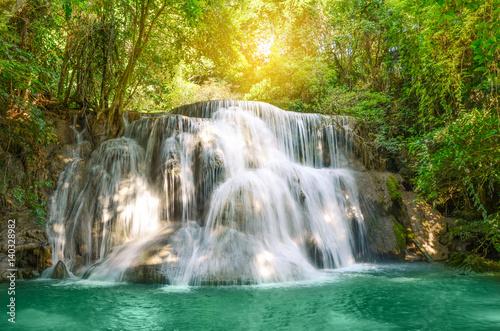 Foto op Canvas Watervallen Beautiful scenic of Huaymaekamin Waterfall in Kanchanaburi, Thailand.