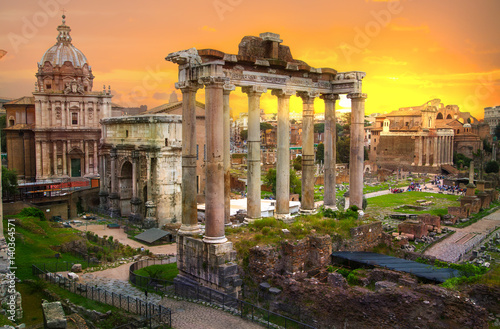 Fotografía Ruins of Roman's forum at sunset, ancient government buildings started 7th century BC