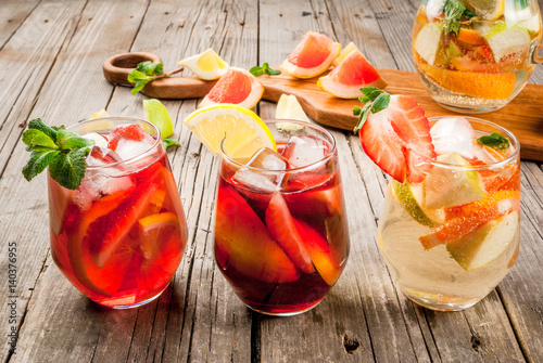 Valokuva Traditional summer drink sangria - red, pink and white