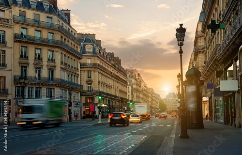 Fotomural Wide street in Paris
