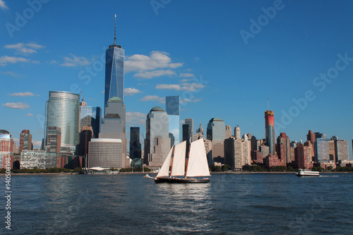 Photo  Lower Manhattan cityscape with sailing ship