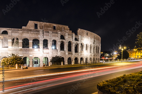Colosseum at night Canvas-taulu