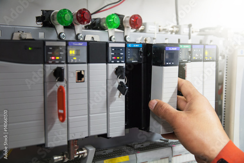 Fotografía  PLC programable logic controler,This picture show hard wiring communication sock