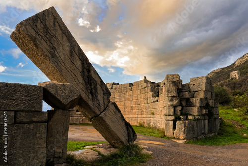 The famous Arcadian Gate in the archaeological site of ancient Messene in Pelopo Slika na platnu