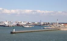 Plage De Calais Et Port De Cal...