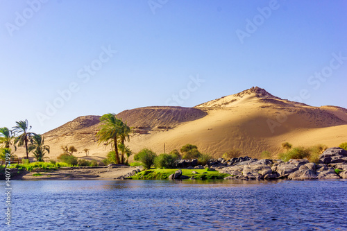 Foto  River Nile in Egypt. Life on the River Nile
