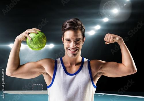 Plakat Portret mężczyzny gospodarstwa piłki ręcznej i wyginanie mięśni