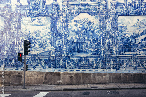 Fotografiet Characteristic tilework called Azulejo on Capela das Almas church in Porto, Port