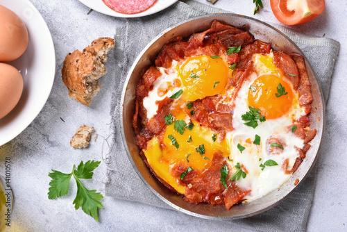 Foto op Plexiglas Gebakken Eieren Breakfast with fried eggs and bacon