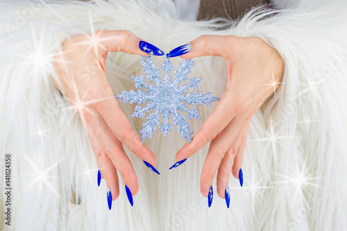Photo  Christmas blue nails