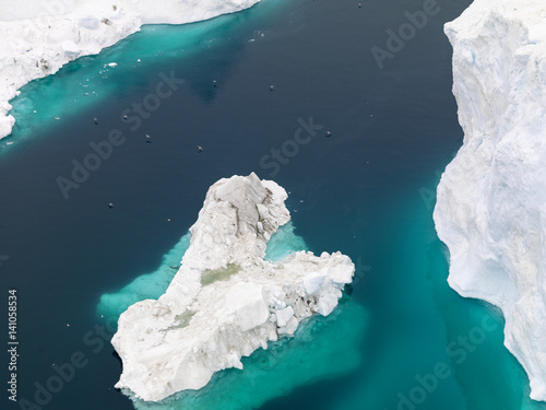 Poster Glaciers Aerial view of the glaciers on arctic ocean