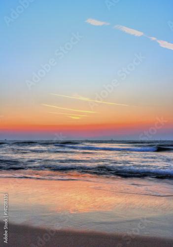 Foto op Aluminium Strand Beautiful sunrise over the sea