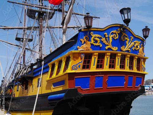 Fotografie, Obraz Fregatte im Hafen