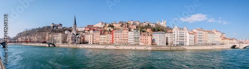Foto op Plexiglas Groen blauw Panorama de Saint-Georges et vieux Lyon vu des quais de Saône