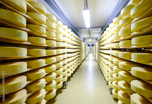 Poster Produit laitier cheese warehouse