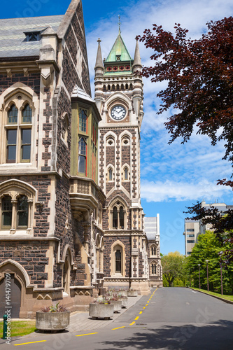 Photo  University of Otago Registry Building with clocktower, Dunedin, New Zealand