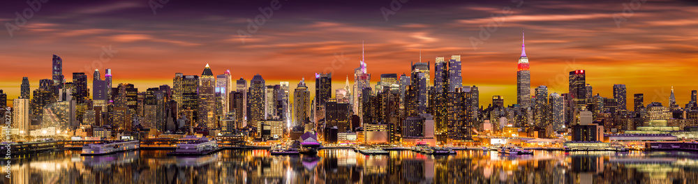 Fototapety, obrazy: New York City panorama at sunrise.