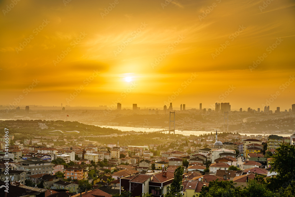 Poster  Istanbul from a Hill at Sunset