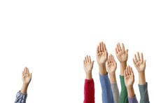 手を挙げる子供達