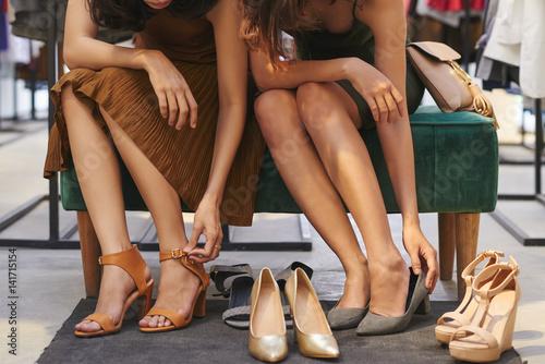 Fotografia  Chossing summer heels