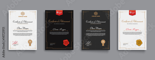Fotografía Achievement certificate design with badges and seals