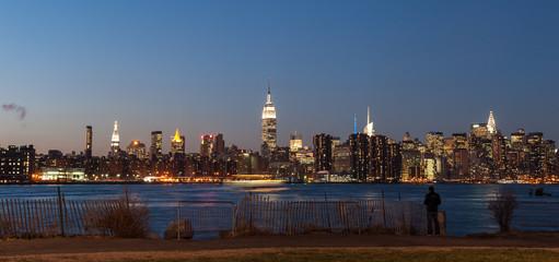 Fototapeta na wymiar View of New York city skyline at twilight from Williamsburg in Brooklyn.