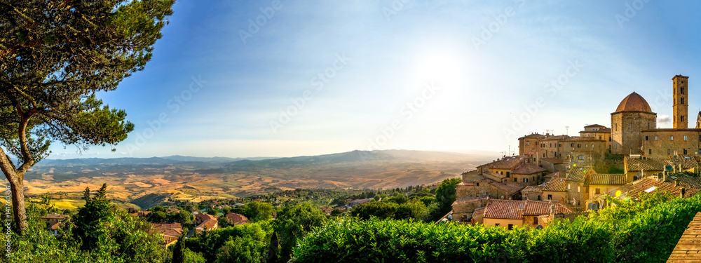 Fototapety, obrazy: Volterra, Dorf in der Toskana