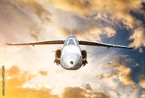 fototapeta na ścianę jet model in sunset sky