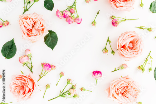 Keuken foto achterwand Bloemen Floral round frame with pink roses isolated on white background. Flat lay, top view. Flowers background.