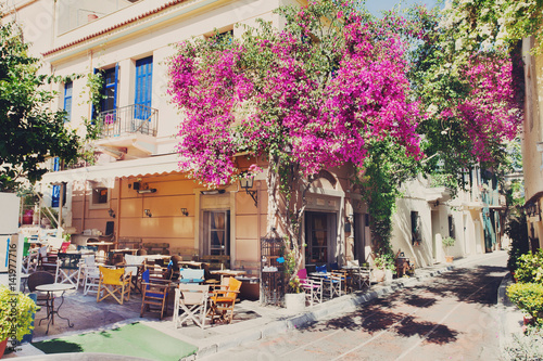 Tuinposter Athene Charming street in the old district of Plaka in Athens, Greece