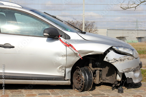 Fotografija  Vehicle after road traffic accident