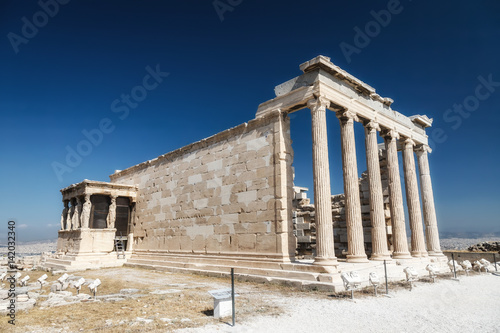 Staande foto Athene Erechtheum temple ruins on the Acropolis in Athens, Greece