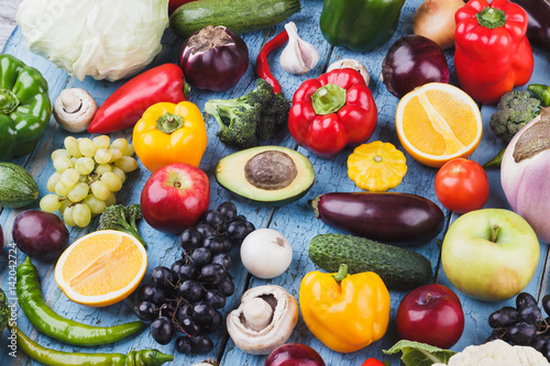 Photo  Set from different colorful vegetables and fruits on the wooden background