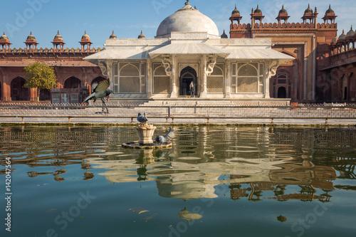 Staande foto Artistiek mon. Beautiful Mughal Indian architecture - Salim Chisti tomb at Fatehpur Sikri Agra.
