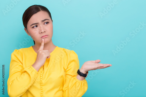 Photo Woman has negative thinking