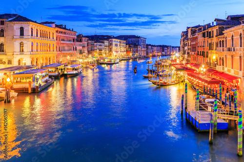 Fototapeta Venice, Italy. Grand Canal from Rialto bridge at twilight. obraz na płótnie