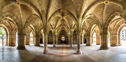 Foto op Canvas Oude gebouw University of Glasgow Cloisters, Scotland