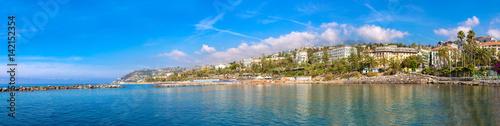 Photo sur Aluminium Ligurie Mediterranean coast in San Remo