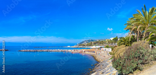 Photo sur Aluminium Ligurie Mediterranean coast in San Remo