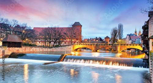 Plakat Norymberga miasto - riverside rzeki Pegnitz, Niemcy