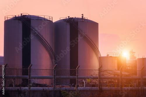Fényképezés  Natural Gas storage tanks , Oil tank , LPG , Petrochemical plant , Petroleum