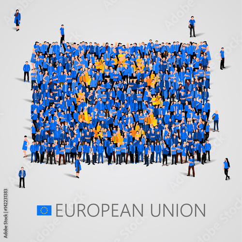 Foto  Large group of people in the shape of European union flag